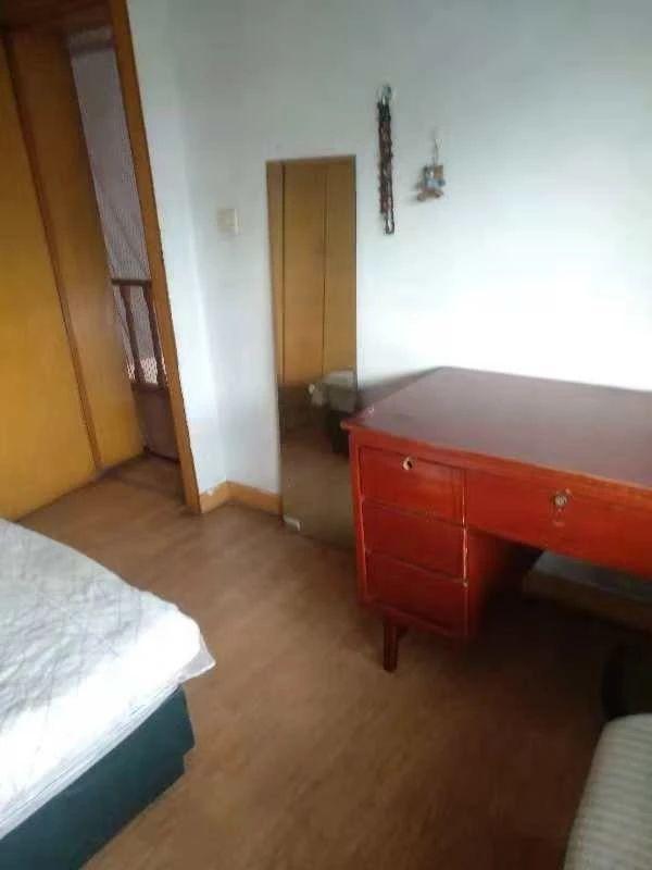 东湖区南京西路文教路口4室1厅168平米2000_6