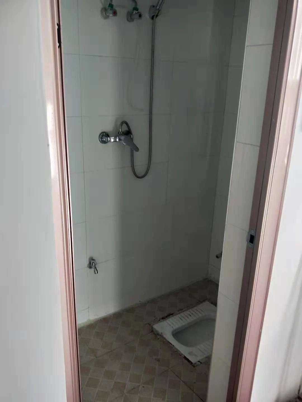 东湖区歌舞团宿舍2室1厅4楼1300全带2室1厅_7
