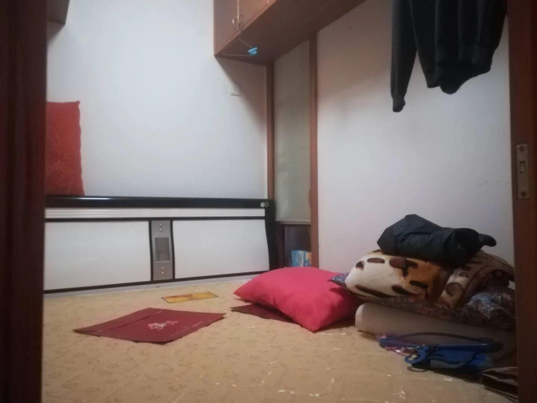 青山湖区湖滨东路69号3室2厅114平米普通住宅_6