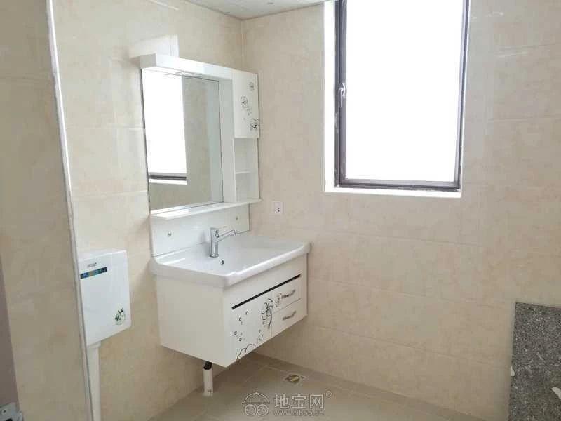 新建区红谷世界城(长堎大道999号)3室2厅10_6