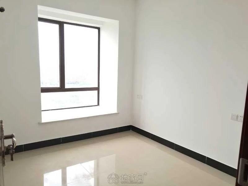 新建区红谷世界城(长堎大道999号)3室2厅10_5